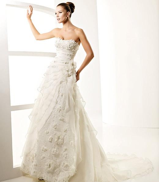 avance-la-sposa-2010-modelo-laguna_b