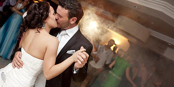 4328ac61075a Τραγούδι γάμου  15 ιδέες για τον «πρώτο» σας χορό ...